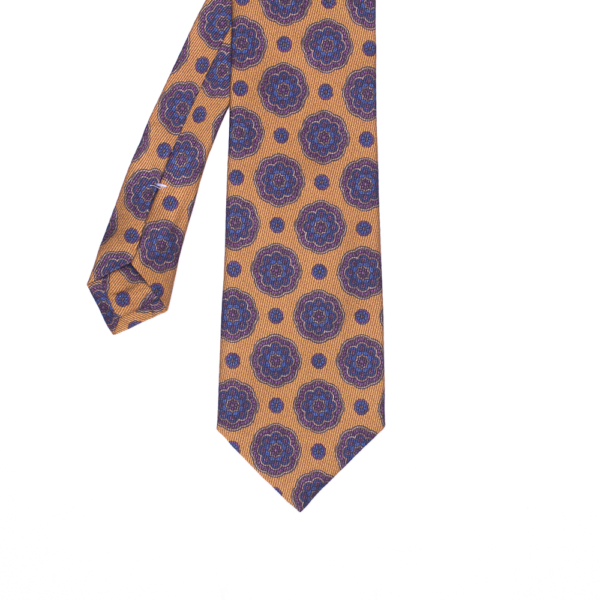 calabrese 1924 cravatta gialla fantasia floreale blue grandi e piccoli dettagli rosa beige