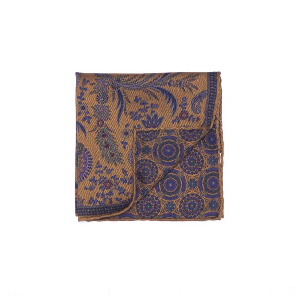 Calabrese 1924 pochette fondo giallo contorno dettagli blue decorazione floreale blue
